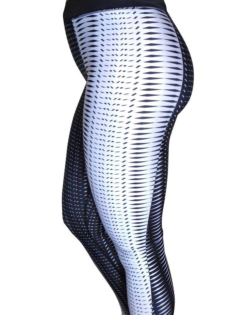 Black and white gym leggings
